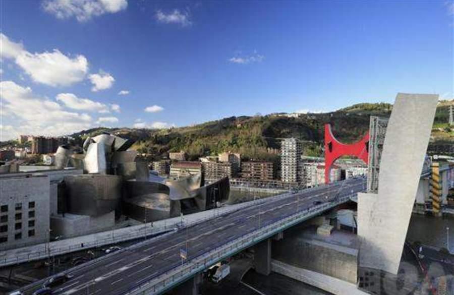 Bilbao guggenheim alquiler de apartamento en centro bilbao for Pisos en bilbao centro