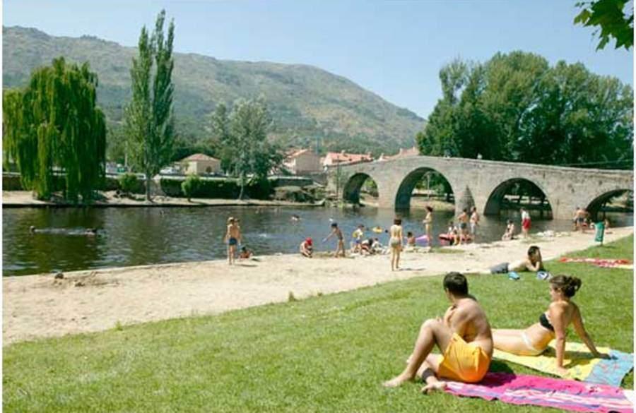 Alquiler de apartamentos por d as madrid centro for Piscinas naturales navaluenga